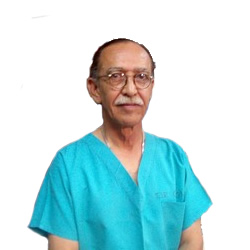 Dr. Roberto Cisneros Corral